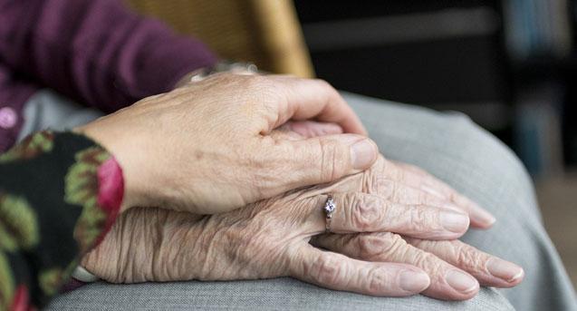 Ancianos que mueren solos